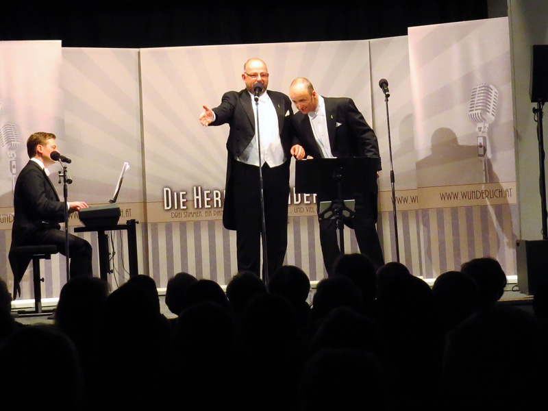 Die Herren Wunderlich während ihrem Auftritt im Kulturhaus in der Hofgasse.