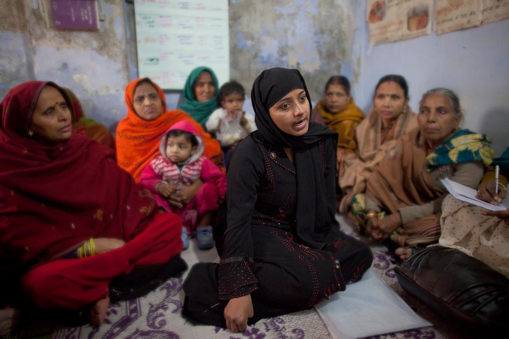Nazia ist 21 Jahre alt und seit zwei Jahren verheiratet. Sie erzählt ihre Geschichte bei einer Selbsthilfegruppe für misshandelte Frauen.